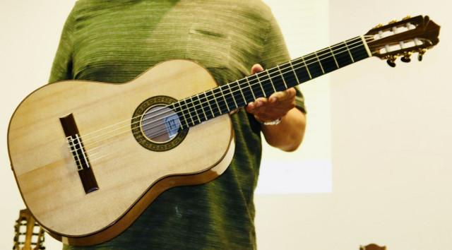 C A M B I A D A Cambio Guitarra española tipo Torres del Luthier guitarrero Joaquin Carrillo