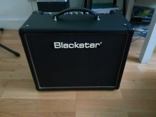 Ampli a valvulas Blackstar ht5