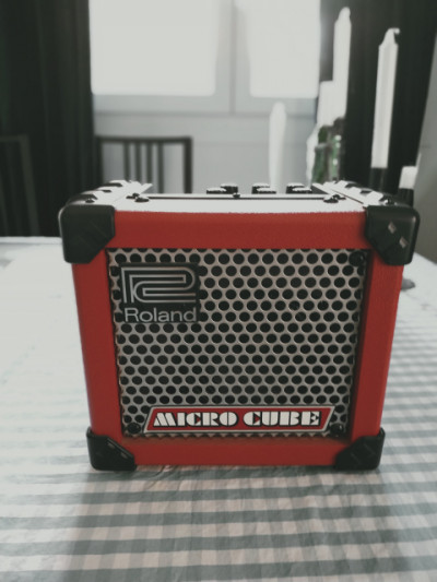 Amplificador portátil Roland Microcube