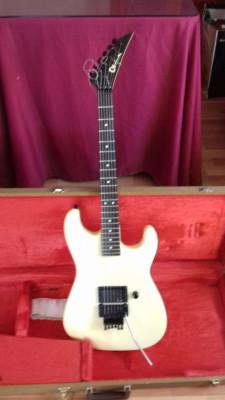 Guitarra eléctrica Charvel model 2 de 1986