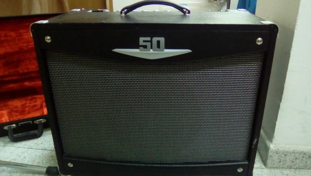 Crate v50, válvulas. Vendo o cambio por pedalera (ver modelos)