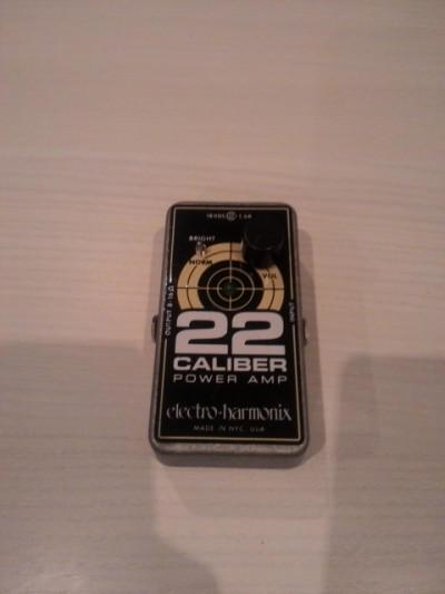 EHX Caliber 22 ampli en formato pedal