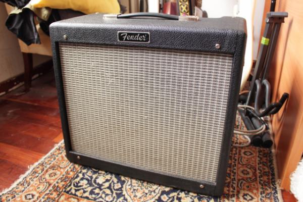 Fender Blues Junior II con patas y funda