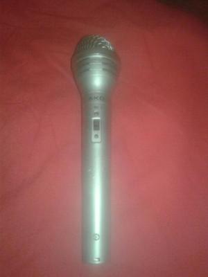 AKG D90S Micrófono