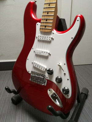 Fender Standard Strat MN CAR (RESERVADA)
