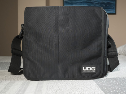 UDG CourierBag Deluxe