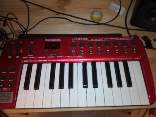 Behringer UMA25S - Controlador MIDI + Tarjeta de Sonido