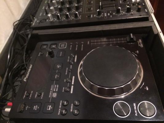 CDJ 350 X2 + Behringer DJX 750