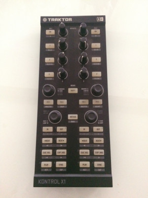 TRAKTOR KONTROL X1