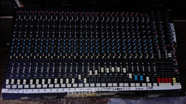 MESA DE MEZCLAS SOUNDCRAFT K1 24c