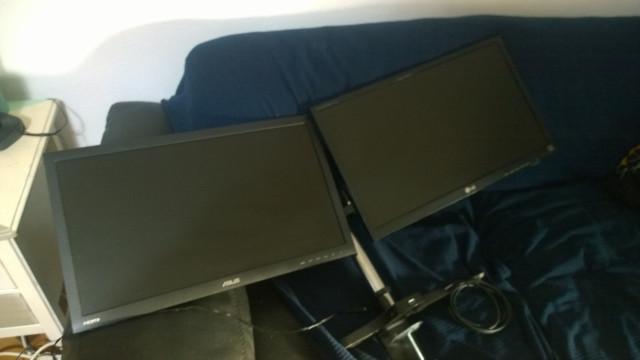 2 pantallas de 27 pulgadas + soporte