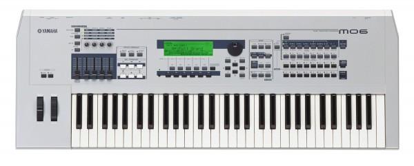 Sintetizador Yamaha MO6