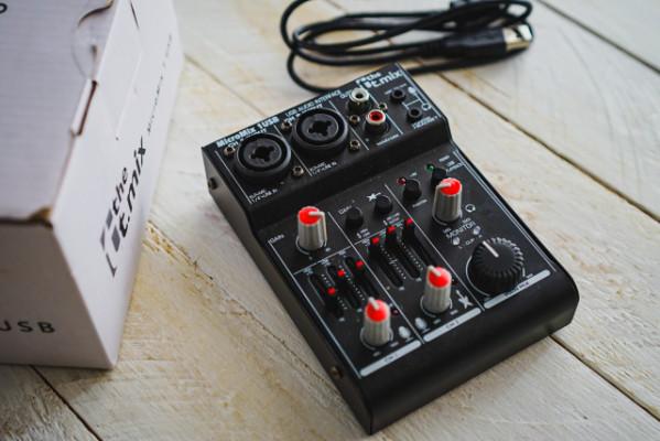 Mesa de Mezclas USB y Micro de Instrumentos Nuevos, 49 Euros Envio Incluido