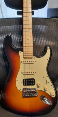 Fender american deluxe series Stratocaster HSS con Suhr Pickups