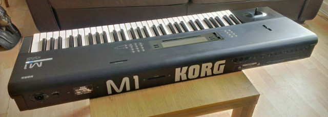 Cambio M1 de Korg con la botonera para cambiar Lo demás funciona bien