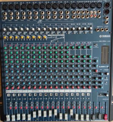 Mixer Yamaha Mg 206c - USB 20 Canales
