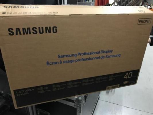 """Vendo monitores Samsung de 40"""". Usados en pequeña exposición."""