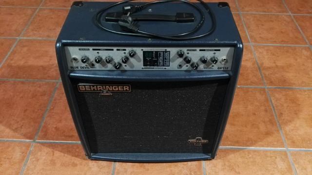 Behringer Blue Devil GX112