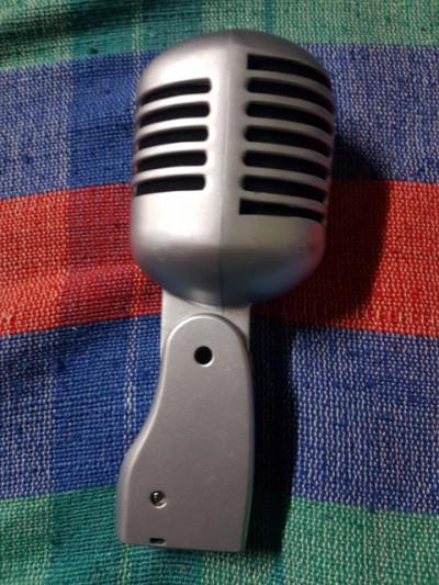 Micrófono retro Stagg cromado mate