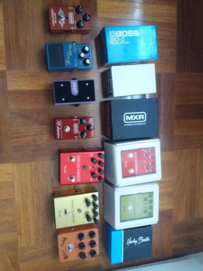 Varios pedales (Boss, Fender, MXR..)