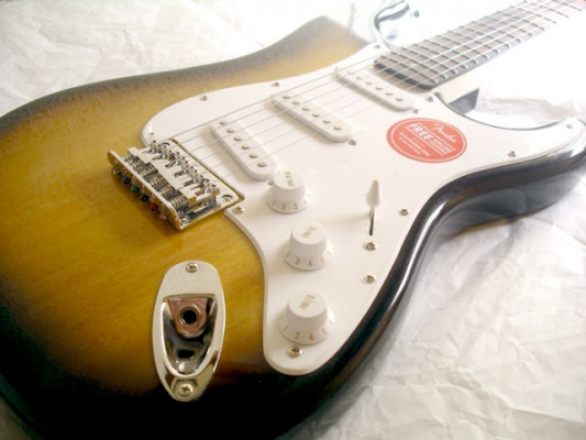 FENDER SQUIER BULLET STRATOCASTER HT IL BSB 2017