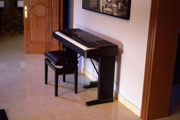 Vendo piano eléctrico Yamaha CP300