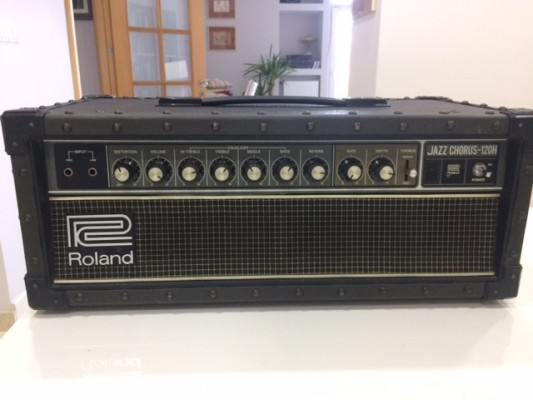 Roland JC-120H Jazz Chorus Guitar Amplifier