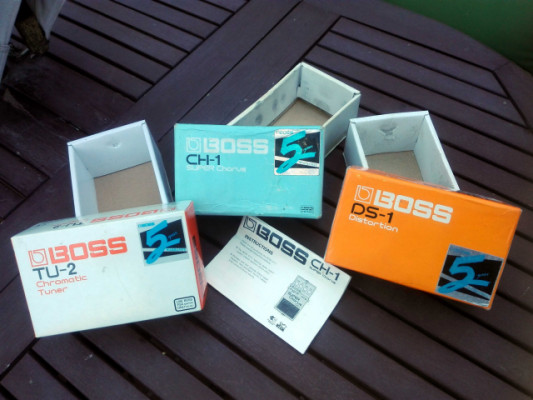 ESPECIAL FRIKIS!!. BOSS CH-1 / DS-1 / TU-2 (solo cajas y papeles)