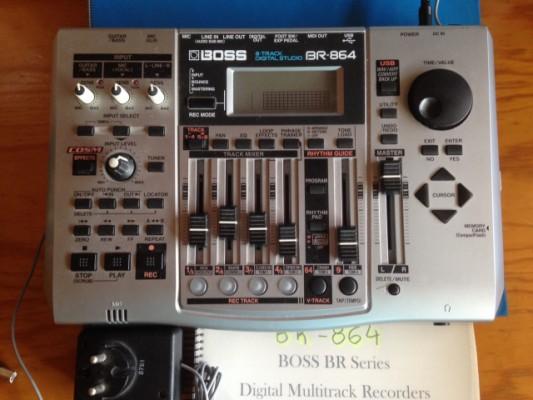 BOSS BR-864 (Estudió digital de 8 pistas por 8 traces virtuales)