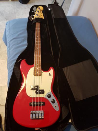 Funda semirigida (20 mm) Rockbag para bajo y/o guitarra