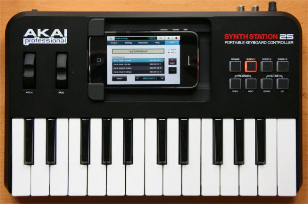Akai SynthStation 25 para Iphone 4S