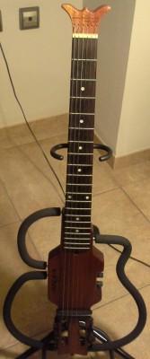 Guitarra Silent de viaje Aria Sinsonido