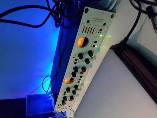 TL AUDIO 5021 VALVE COMPRESSOR (IVORY SERIES)