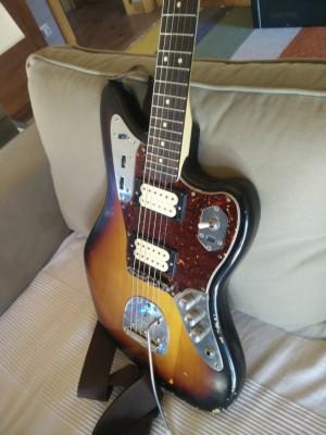 Pepino sónico. Fender Jaguar Kurt Cobain. (Mástil Squier).
