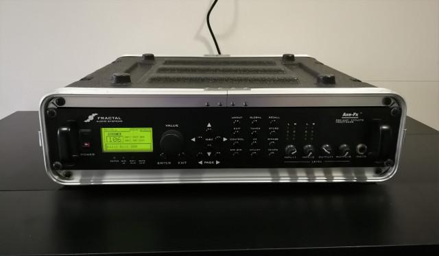 AXE FX STANDARD + HARDCASE + CABLE MIDI + BEHRINGER FCB1010