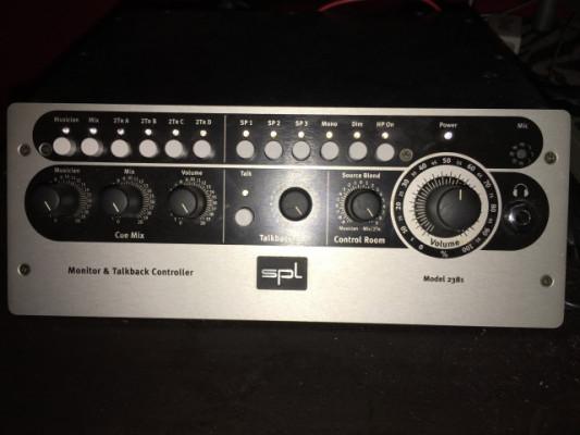 Control room Spl 2381 ( control monitores )