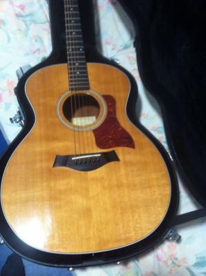 Guitarra acústica Taylor