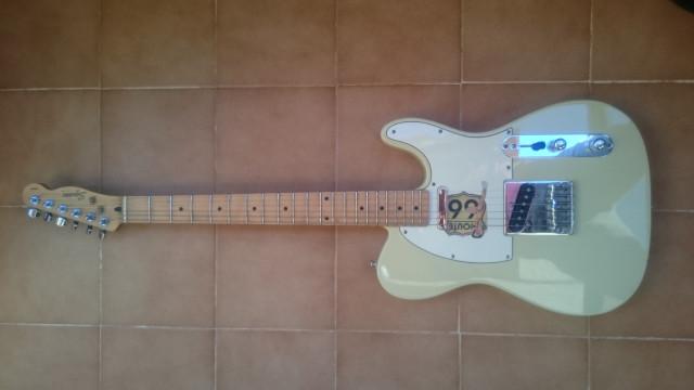 Squier by Fender Telecaster con pastillas Mojo Tone(SOLO VENTA)