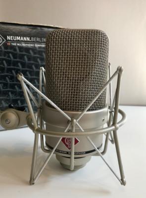 NEUMANN TLM 49 Con suspensión EA3