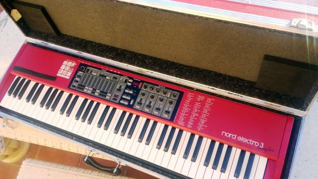 Nord Electro 3/73 teclas (Ojo, 6 octavas) + Fligth Case rígido