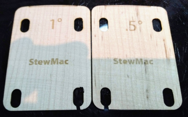 Cuñas StewMac para Stratocaster 1º y 0.5 º