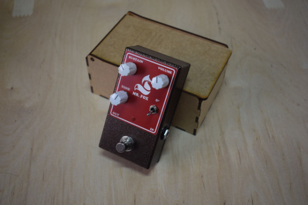 Pedal Delcam Audio MR. FOX Fuzz Octavador