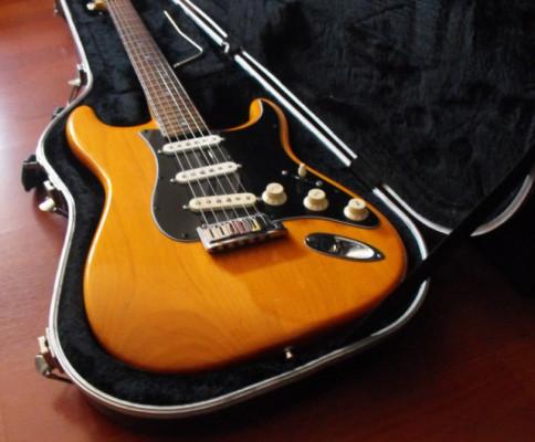 Fender Stratocaster American Deluxe USA 2006 (con mejoras)