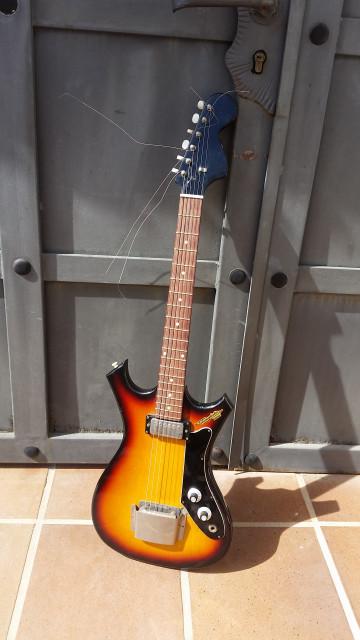 guitarra electrica para coleccionista..leer la descripcion & ver video !