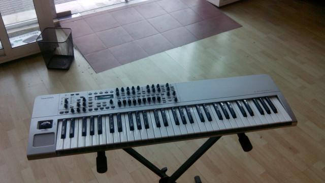 sintetizador Novation X-Station 61 *** reservado***