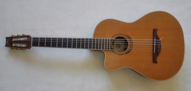 Guitarra electroclásica zurda LAG Autumn