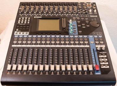 Yamaha 01v96 + Yamaha MY16AT