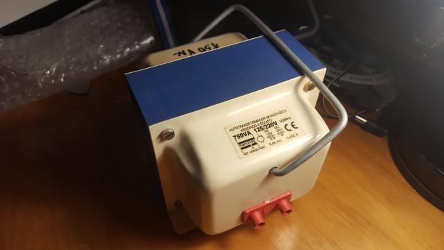 Trafo 220v/125v 50Hz/60Hz(para amplis americanos)