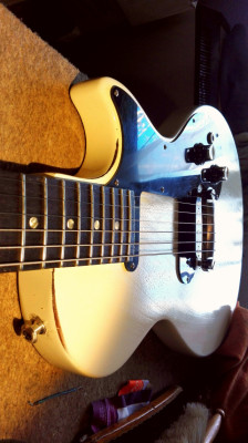 GIBSON MELODY MAKER 2009 REFINISH VINTAGE WHITE