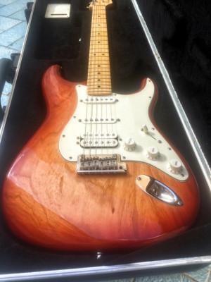 Fender USA Stratocaster Standard HSS Sienna sunburst